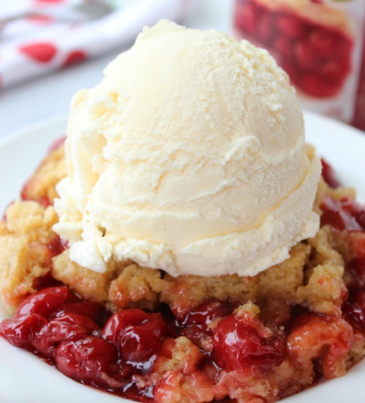 This Slow Cooker Cherry Dump Cake is amazing!