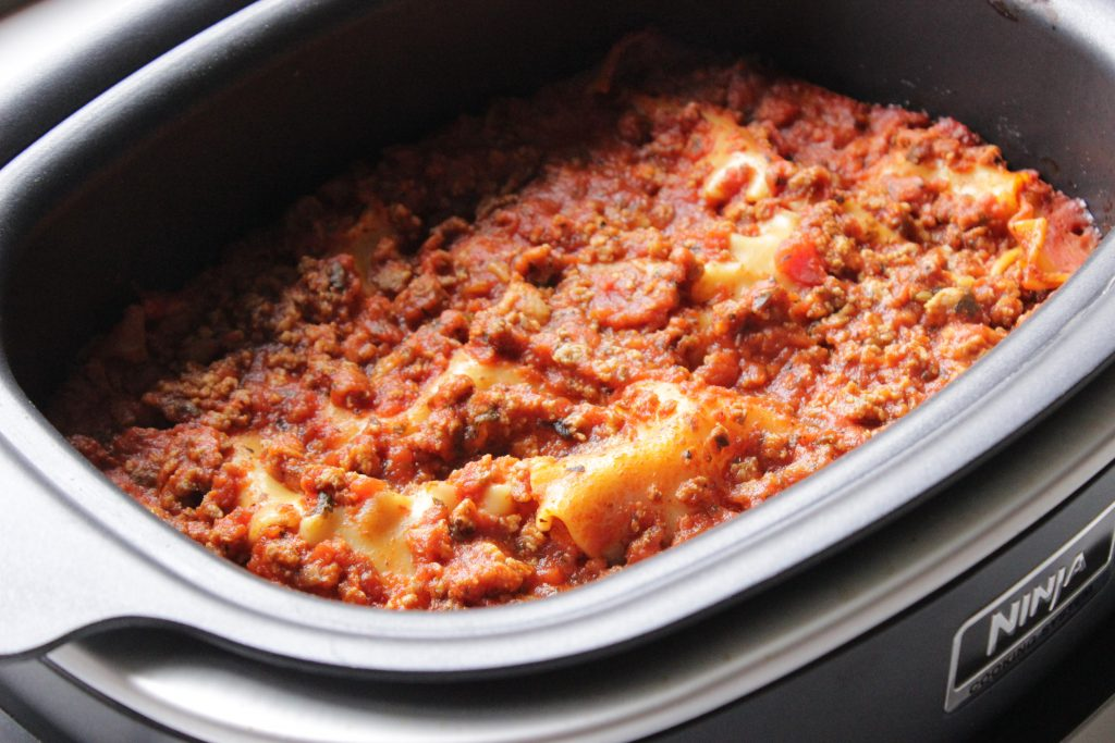 easy crockpot lasagna with spaghetti sauce ingredients