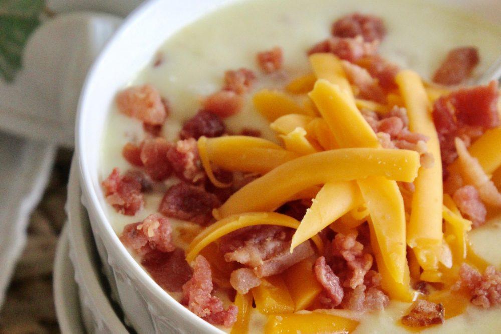 The best easy crockpot potato soup