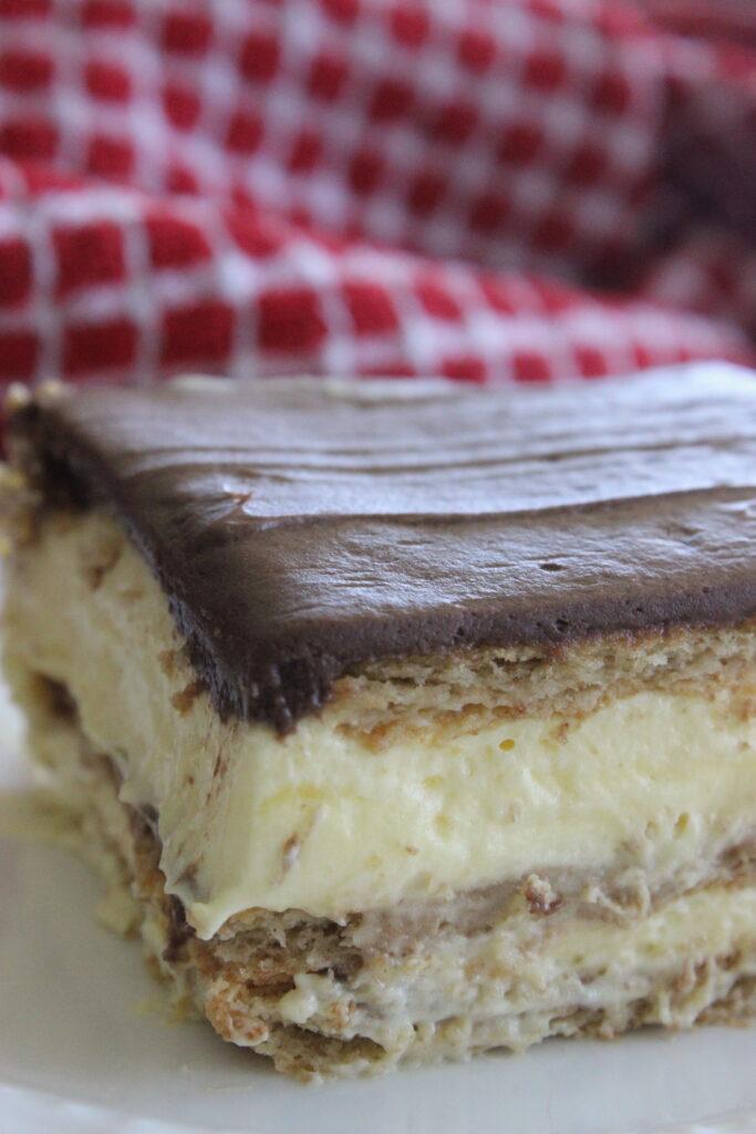 no baking dessert chocolate and vanilla eclair cake
